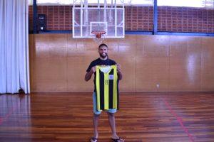 El pívot Pol Domingo torna després d'un any jugant a Itàlia.