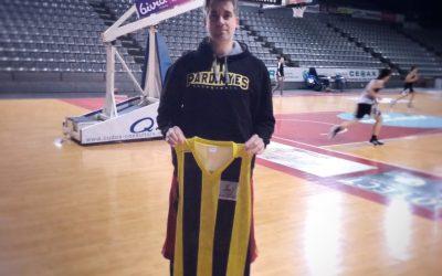 Marc Vidal, torna a vestir-se de groc i negre